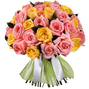 Букет из 51 розовой и желтой розы